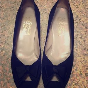 Vintage Salvatore Ferragamo Black Peep-toe Pumps